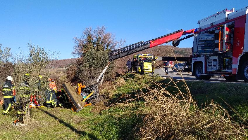 traktor nesreča